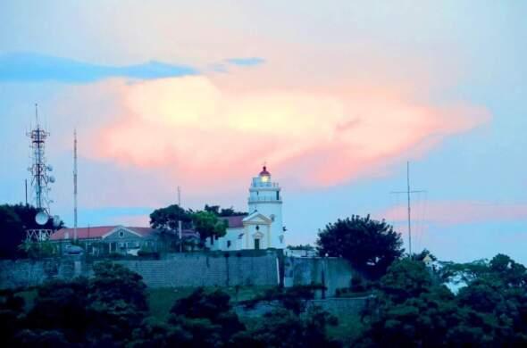 東望洋燈塔景觀近日再受關注。