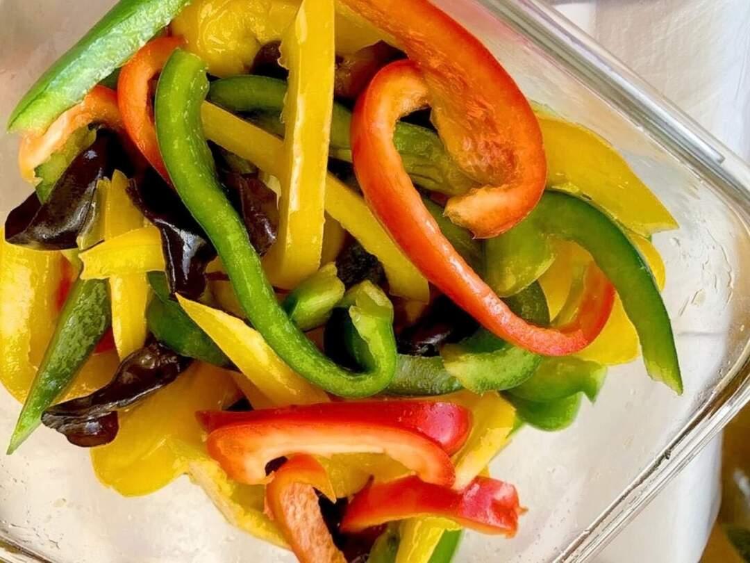 美玉老師自製素食料理。