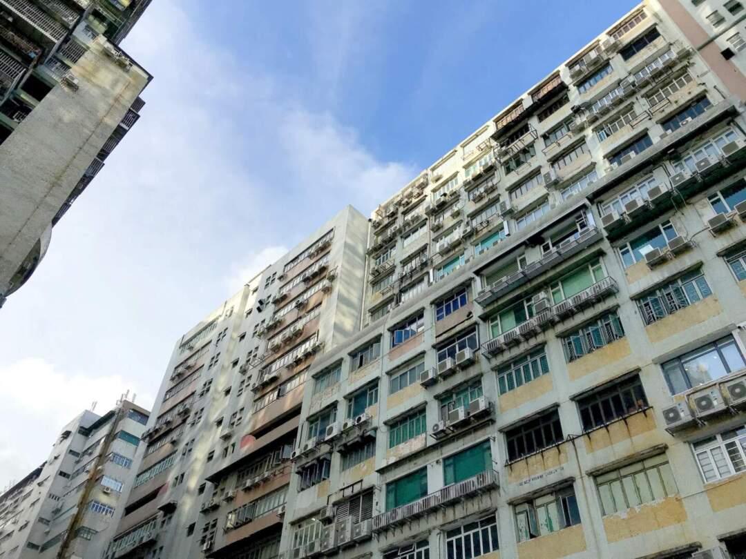 事實上,社會對於慕拉士大馬路一帶的工廈被劃為商業區亦有質疑。