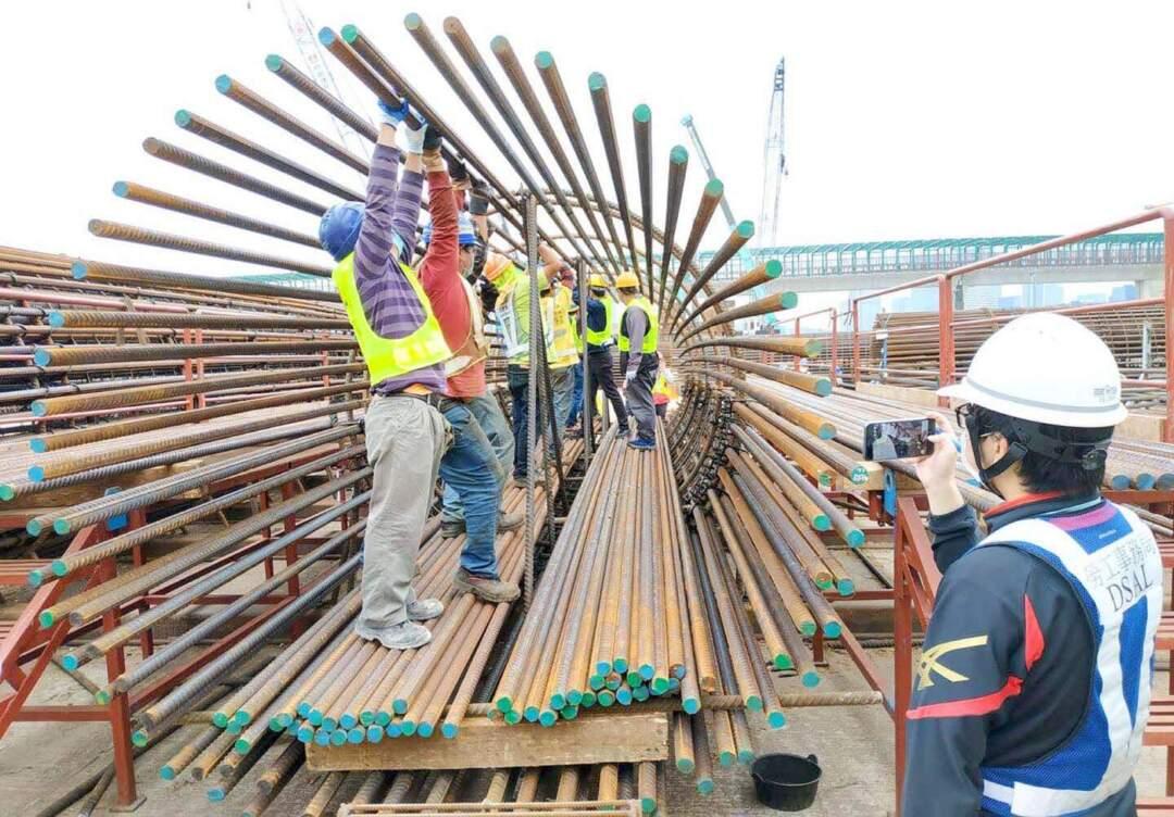 李靜儀促請政府支持建築業界升級轉型,吸引年輕人入行。