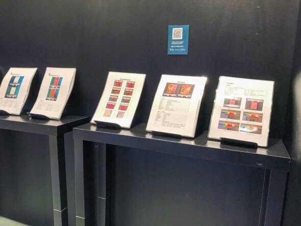 展覽現場展示出多本由學員修復的舊書及其修復報告。