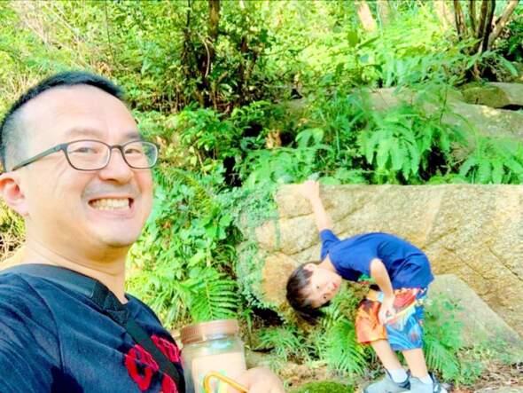 Joe和兒子「九澳蝴蝶君」。